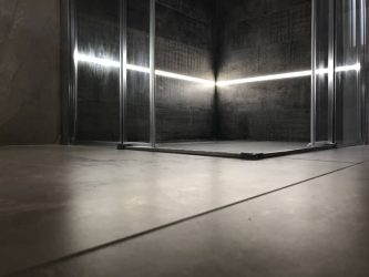 doccia-moderna-a-pavimento-con-luce-led-11