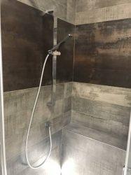 doccia-moderna-a-pavimento-con-luce-led-15