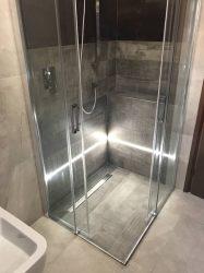 doccia-moderna-a-pavimento-con-luce-led-4
