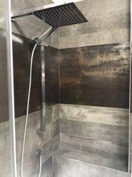 doccia-moderna-a-pavimento-con-luce-led-5