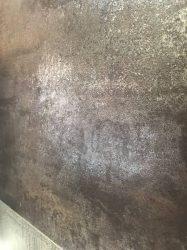 rivestimento-effetto-pietra-cemento-in-bagno-moderno-2
